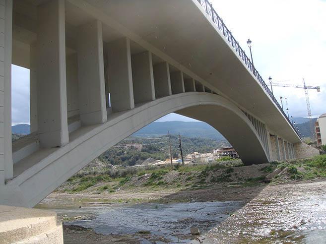 Reparación y refuerzo puente Purchena